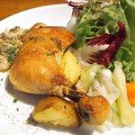 50929678 - 日替りランチ 1000円 の鶏もも肉のコンフィ