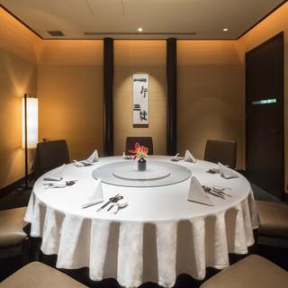 ビジネスシーンなどで利用したい、洗練された7つの個室