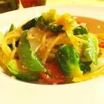 カラスミと有機野菜のオイルベースのキタッラ