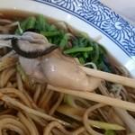 活蟹とシャンパン 牡蠣ベロ - 牡蛎とそば。