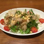 串かつ 釜たけうどん 凡凡屋 - 大根サラダ  450円 とにかくボリュームすごい!1人で食べるには多すぎました…。