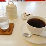 てるうさファーム・キッチン - えらべるスペシャルティコーヒー 390円