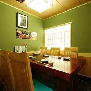 上質な空間でのお食事を…趣のある個室