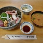 大衆割烹 三州屋 - 海鮮丼 1,100円