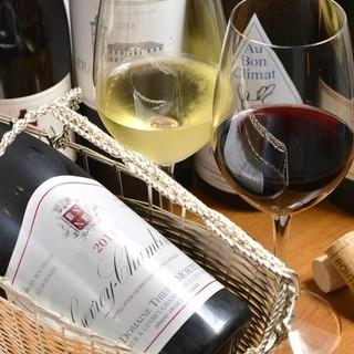 ★ソムリエ厳選の豊富なグラスワインを御用意しております-。