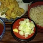 さぬき亭 - 料理写真:天ぷらうどん☆