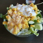 湾岸食堂 - サラダをもろもりゲット!