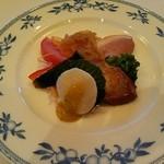 hoteruo-kuraresutorannagoyachuugokuryouritoukarin - 前菜 ピータンと鴨が美味しかった。