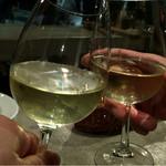 50953209 - まずはグラスワイン白で乾杯!