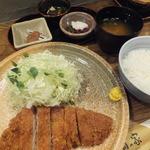 桐の家 - ロースかつ定食