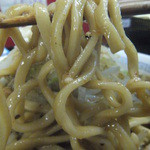 自家製太麺 ドカ盛 マッチョ - 麺リフト。麺はちょっと硬い(2016.5.12)