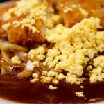 あんかけパスタ ラ・ピーニャ - 刻み卵とソース