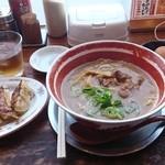 麺王 高松駅前店 - 徳島ラーメンと餃子セットに無料生卵