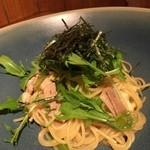 ラディッシュ - 料理写真:春キャベツと小松菜と豚バラの和風しょうゆパスタ(2016年5月)