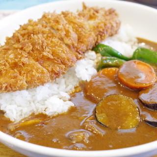 カレー専門店 KEN - 料理写真:カツカレーに野菜トッピング