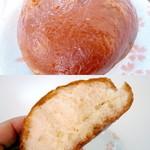 福慶 - 黄金まんとう¥100。練乳をサンドしたまんとうを揚げたものです。外がカリッとしていて「かりんとう饅頭」のような感じです。かなりお腹いっぱいになります。