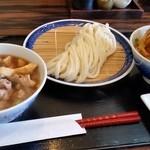 50972295 - 手打うどん 寿庵、肉汁うどん。