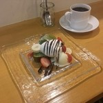 50977184 - 抹茶のパウンドケーキ + ルナブレンド