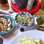 高田屋食堂 - 『生姜焼き定食』の副菜類(2016年5月)