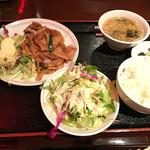 中華餃子坊 - 生姜焼きセット 850円