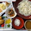 勢川 - 料理写真:豊川稲荷精進饂飩