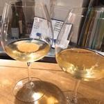 50984540 - 二軒目は白ワインからスタート!