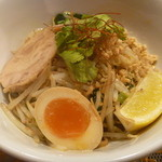 幕張ファイデーン - センレック・ヘーン (タイ式汁無し油麺)