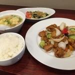 紅蓉軒 - スーパイコ定食(クラゲの前菜・玉子スープ・ご飯付き)