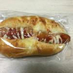 ガトーかんの - ウインナーパン@170円