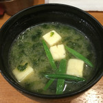 50993585 - 上かき揚げ丼に付く味噌汁