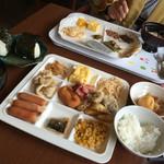 登別万世閣 - 朝ご飯。おにぎりと厚焼き玉子が絶品(^∇^)♪