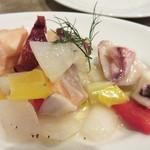 メグスタ 警固歩道橋酒場 - 魚介と野菜のマリネ。