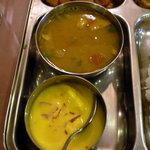 サンサール - ダール豆のスープとヨーグルト