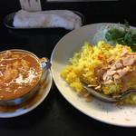 カレーは飲み物。 - 鶏カレー大盛り790円400g 4ポテトサラダ、5フライドガーリック、6パクチー