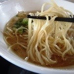 ピッグボーン - 麺はこんな感じ 極細麺は美味しい