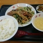 胡弓 - レバニラ定食