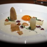 スリオラ - 白いアスパラガスとインディアサルバチーズの軽いクレーマ