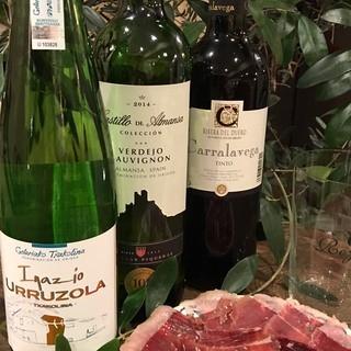 現地スペイン産のワイン