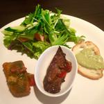 フィオリーレ - パスタランチ(¥1,300) サラダ+前菜3種