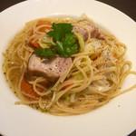 フィオリーレ - 豚ばら肉とキャベツの煮込みパスタ