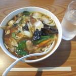 西安刀削麺 - 料理写真:五目刀削麺 ¥750-