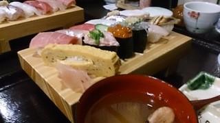 金太郎 - お寿司のランチ