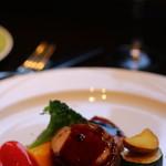 カサブランカシルク - ランチセットのメイン 豚肉 マディラソースがおいしい