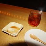 51024409 - [料理] 豆乳の葛寄せ & Ice烏龍茶 全景♪w