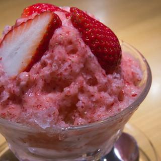 フルーツ・ブティック ゴトウ - 料理写真:イチゴのフラッペ(550円)