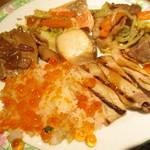 空桜 - いくら丼、豚肉のグリル、豚肉の煮込み、ちゃんちゃん焼き、白身魚、ジンギスカン