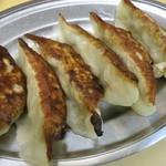 王華 - 餃子