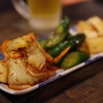 韓国家庭料理 青山 - キムチ三種