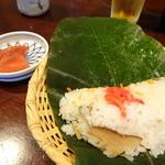 51034444 - 鳥せいろと朴葉すしのセット(1,300円)の寿司