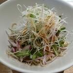 浅野屋 - サラダ蕎麦